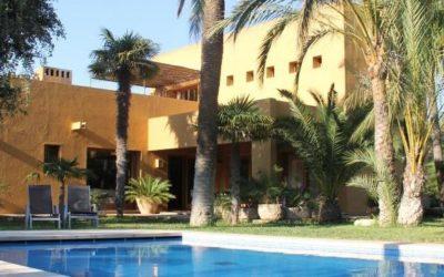 Herrliche Architekturvilla in Cala Bona, ideal für bis zu 8 Personen