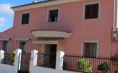Hübsches Einfamilienhaus in Son Servera mit 4 SZ auf 2 Etagen und Meersicht