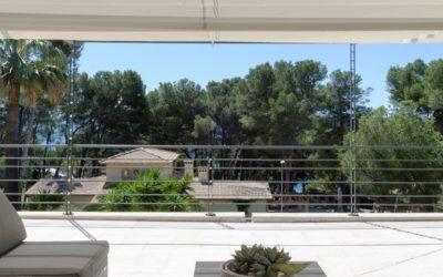 Weisse Villa in Villenquartier mit Meersicht, in Costa de los Pinos für bis zu 6 Personen